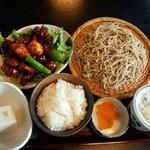 他県からナゼか客が集まる人気ローカル食堂!真夏のウマい店