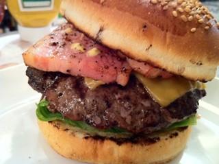 ハンバーガーマニアがおすすめハンバーガーを紹介