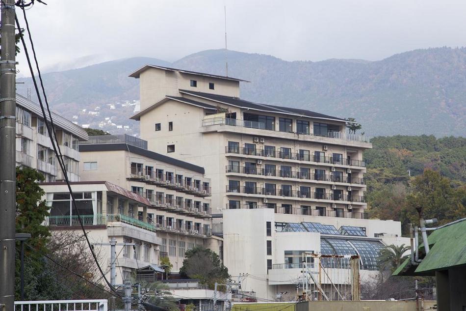 伊豆熱川で泊まれる、食べ放題と温泉付きの激安宿
