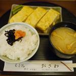 デヴィ夫人が行列店のグルメに本気で並んで辛口調査 in 鎌倉