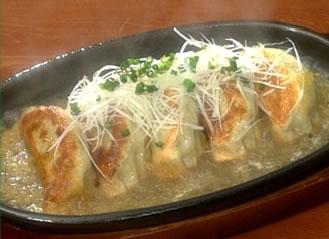 雑誌記者40人が選んだ「鉄鍋餃子」