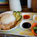 プロが教えるとっておき 本日のオススメ3 肉コラムニスト・浦 朋恵さんのオススメ「肉が決め手の名物ランチ」