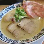 グルメライター曽束さんのオススメ「今注目!新店のこだわり麺」